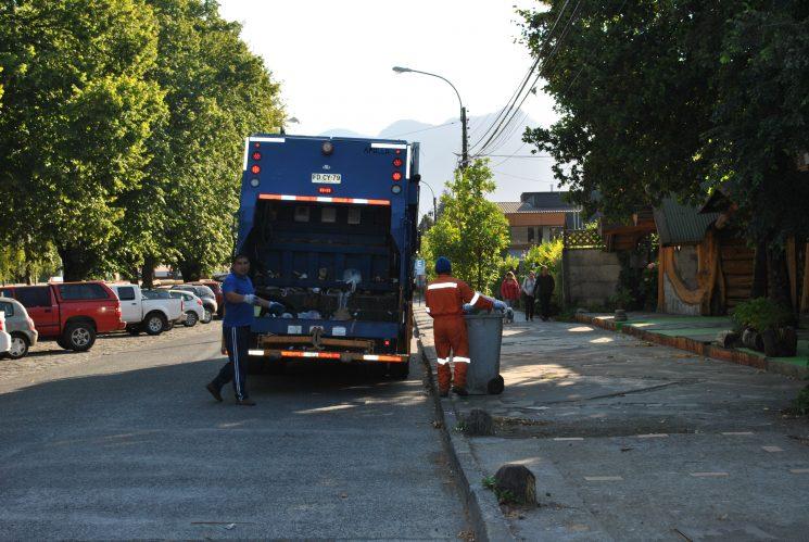 Municipio da inicio a una fuerte fiscalización por arrojar basura en la vía pública y en lugares no permitidos