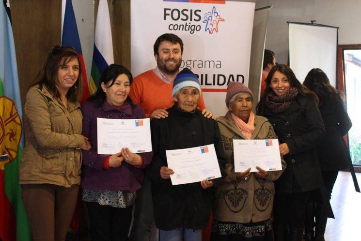 En Pucón dan cierre al Programa Autoconsumo y Habitabilidad, beneficiando a familias de sectores urbanos y rurales