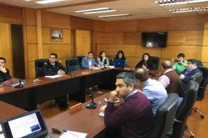 Unidades técnicas del Municipio de Pucón participan en nueva sesión de la Mesa de saturación del lago Villarrica