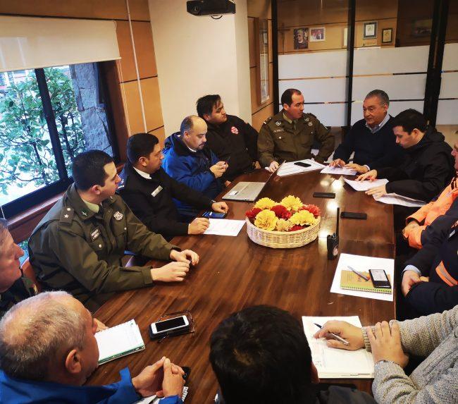 Eficiente despliegue de Equipos de Emergencia Municipal en Pucón en frente de mal tiempo