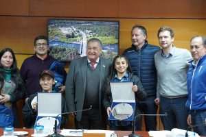 CMPC y CDUC entregaron becas deportivas para atletas paralímpicos de Pucón