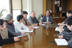 Alcalde Barra y Seremi del MOP se reunieron con comunidades de Pucón